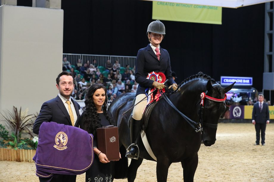 Isabella Mears, Forgeland Hyde Park win the intermediate show riding type title at HOYS 2021