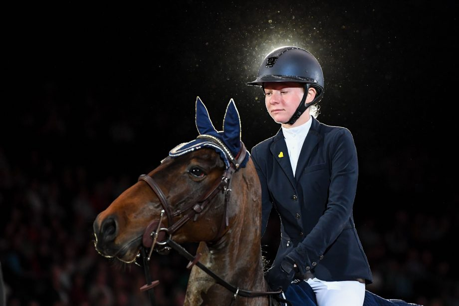 Izabella Rogers and Neil 55 win the HOYS pony Foxhunter title