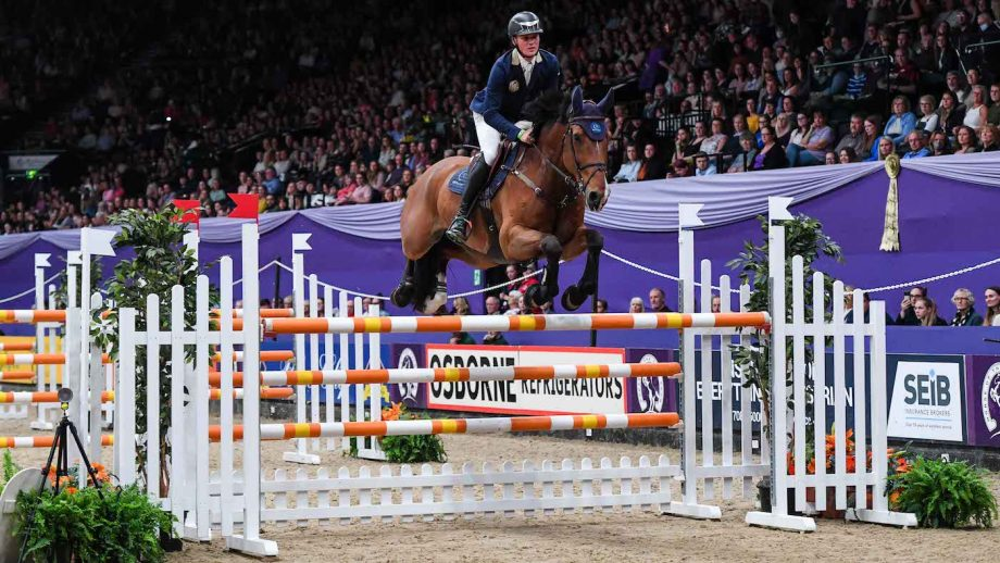 Michael Duffy and Jeff Ten Halven in the HOYS Grandstand Challenge Cup