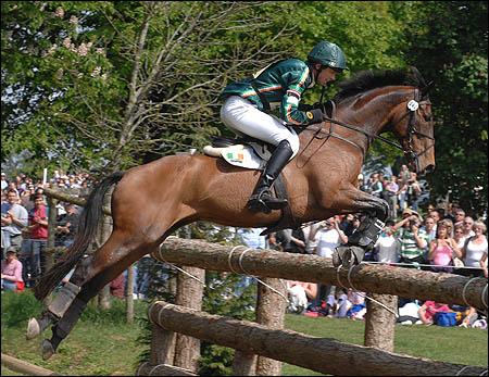 Jonty Evans riding Cregwarrior