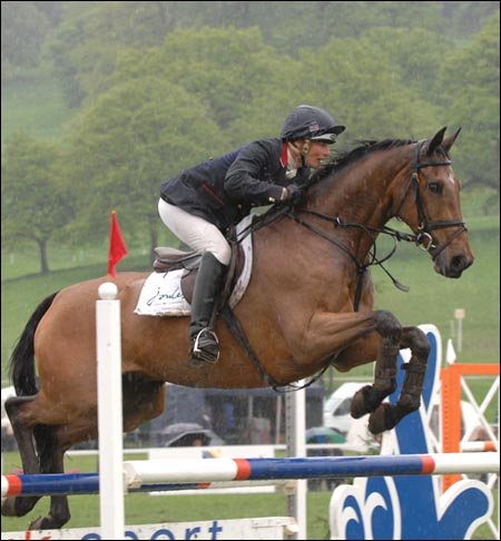 Mary King jumps a clear round to win the Chatsworth Nissan International Horse Trials