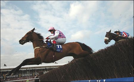 Voy Por Ustedes en route to victory in the Champion Chase at the Cheltenham Festival