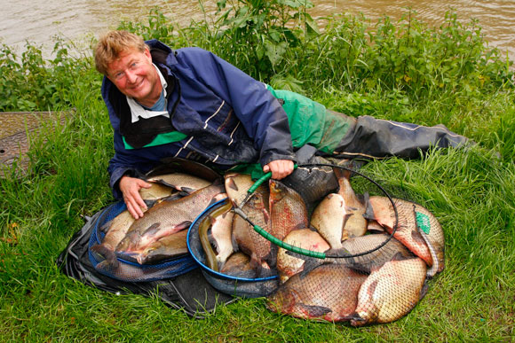 Leigh Gardner, with one of this season's best Evesham catches, 84 lb of bream.