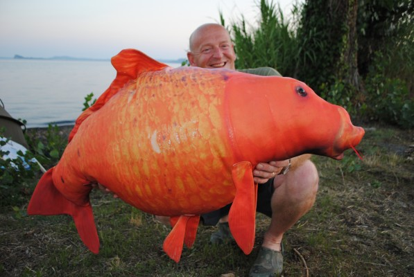 ANGLER'S MAIL HQ (Wed): a not so common carp fishing ...