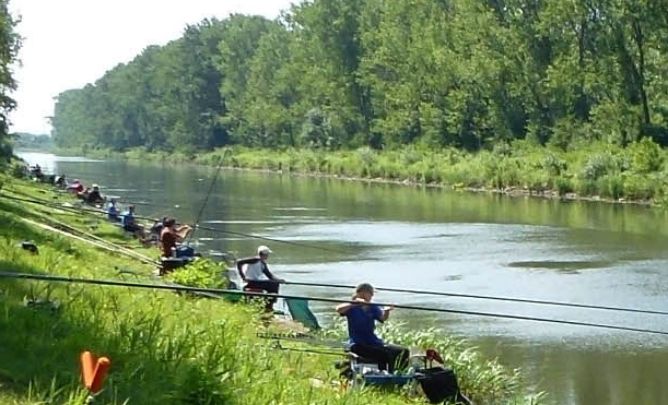 The Zeranski Canal hosted the 2013 World Angling Championships, where England triumphed.