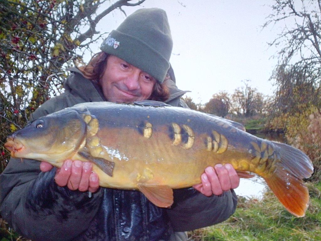 Julian cundiff catching cautious clear water carp for Fishing for carp