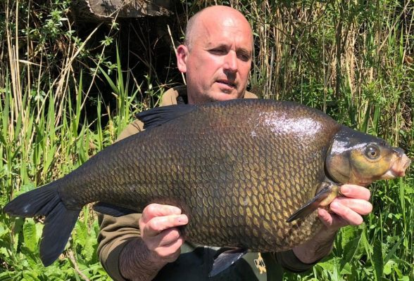 Big bream, big tench and big carp - after three years of <b>Struggling</b>!
