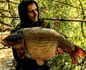 Danny Taylor's latest 42 lb common carp caught on simple float fishing tactics.