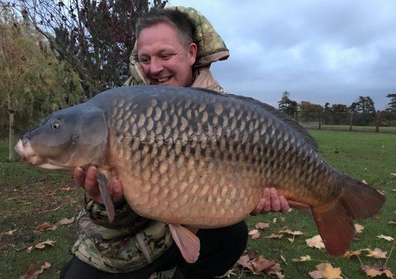 FARLOWS CARP FISHING WARREN MAHONEY - Dynamite Baits