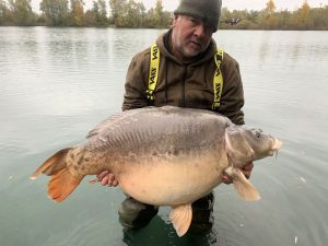 This 90 lb 2 oz mirror carp is a new venue record for Bluewater Lakes.