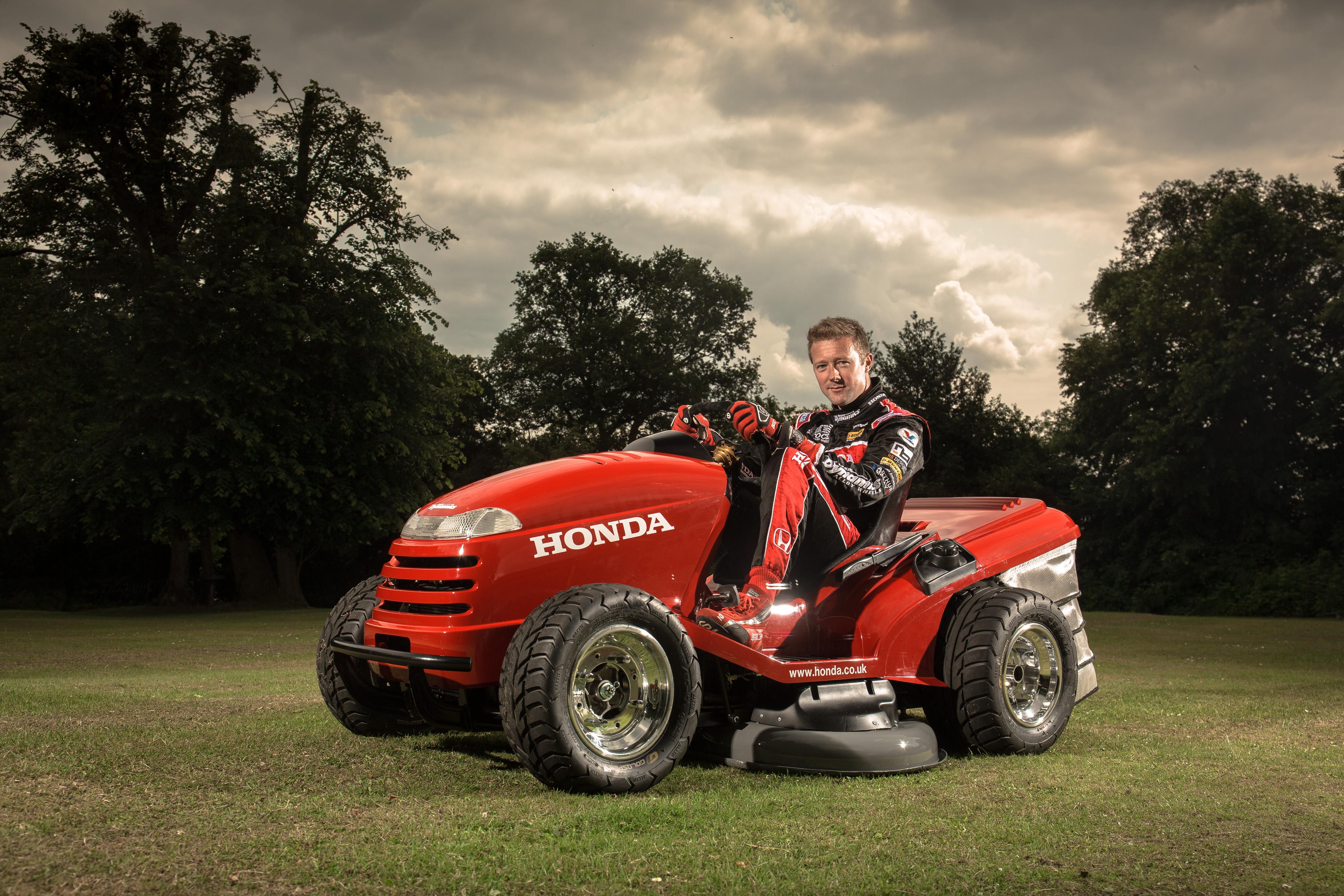 Honda Creates World S Fastest Lawn Mower Amateur Gardening