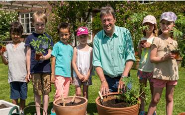 Growing veg with kids Alan Titchmarsh video Amateur Gardening