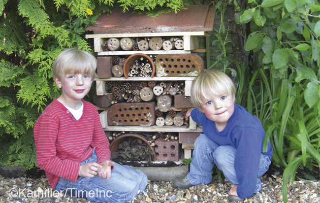 How to make a bug hotel - insect hotel, a great project for children