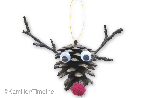 How to make a reindeer pine cone decoration