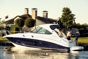The Sea Ray 305 is one of the new launches at the PSP Southampton Boat Show. There's a full guide to all the new launches in MBY