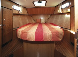 Linssen 25.9 forward cabin