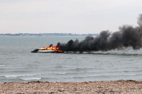 Calshot boat fire