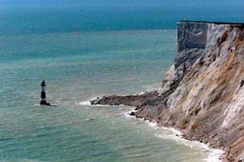 Beachy Head lighthouse bigger