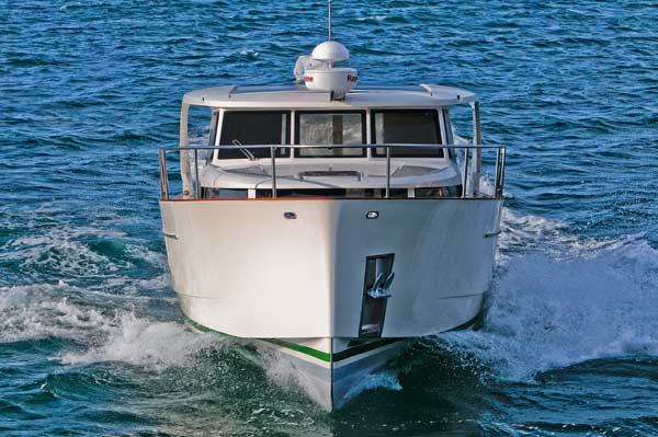 Greenline 33 | Reviews | Motor Boats Monthly |