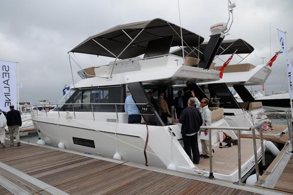 Motor Boat & Yachting   Sealine F42