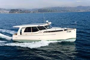 Motor Boat & Yachting | Greenline 33 Hybrid