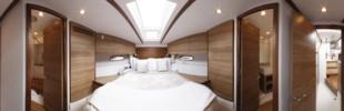 Sealine F42 cabin