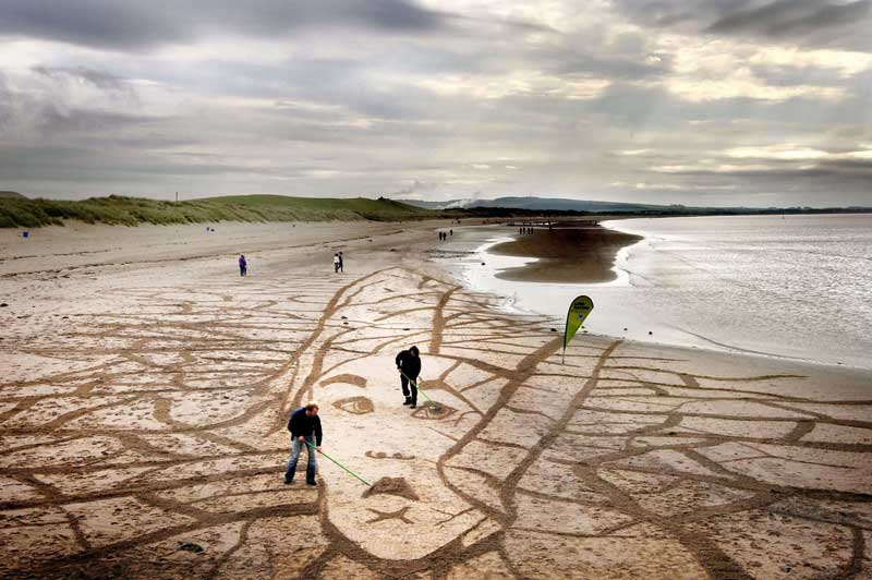 Sand artist Jamie Wardley