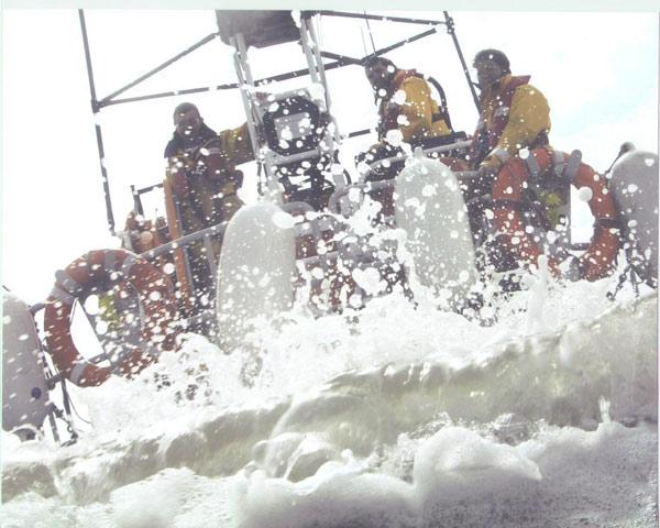 Current Hoylake lifeboat crew