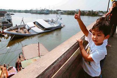 Superyacht sinks in Thailand (Photo Credit Bangkok Post)