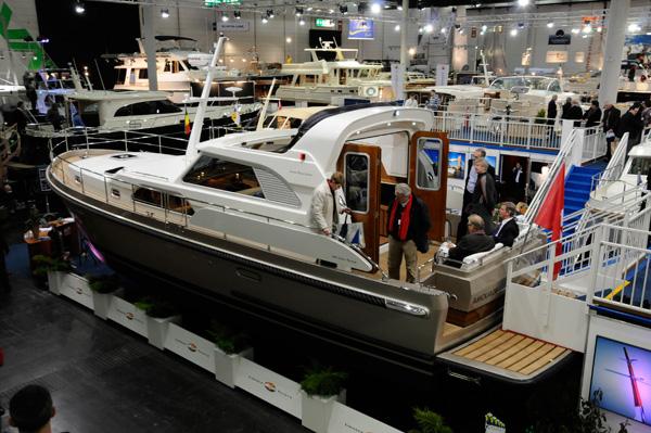 Motor Boat & Yachting | Linssen Range Cruiser 430