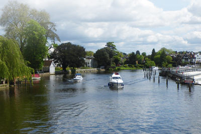 A stretch of the Thames |  Motor Boats Monthly