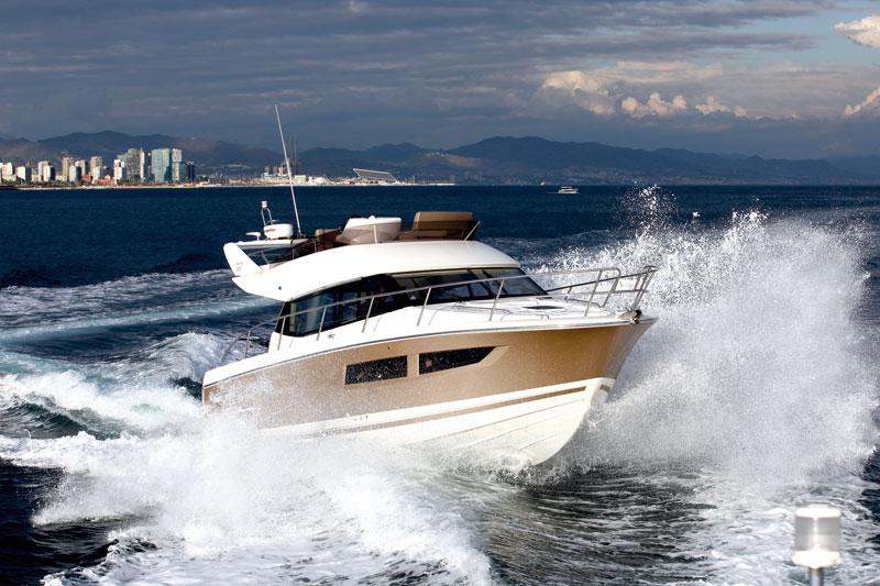 Jeanneau Prestige 350 | Motor Boats Monthly