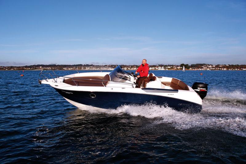 Karnic 2452 | Motor Boats Monthly