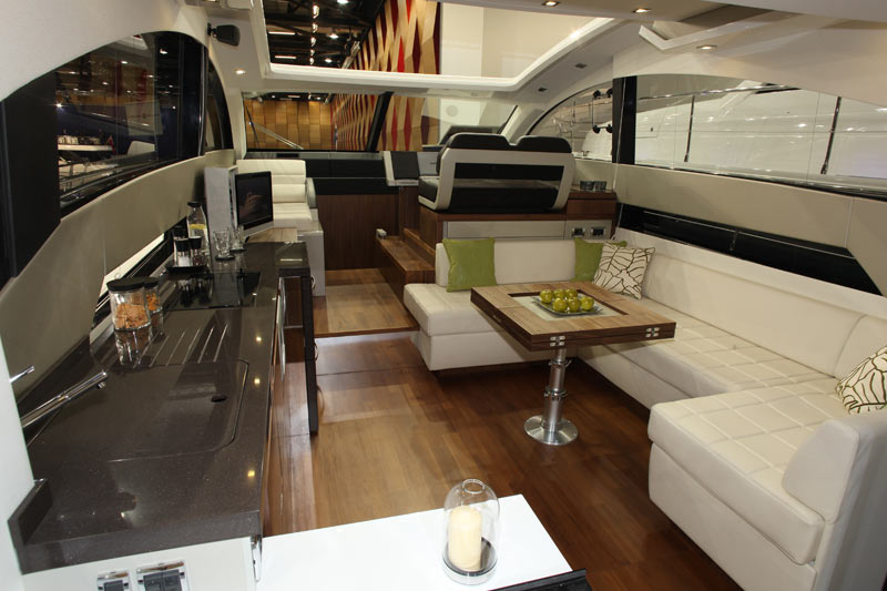Fairline-Targa-50-saloon.jpg