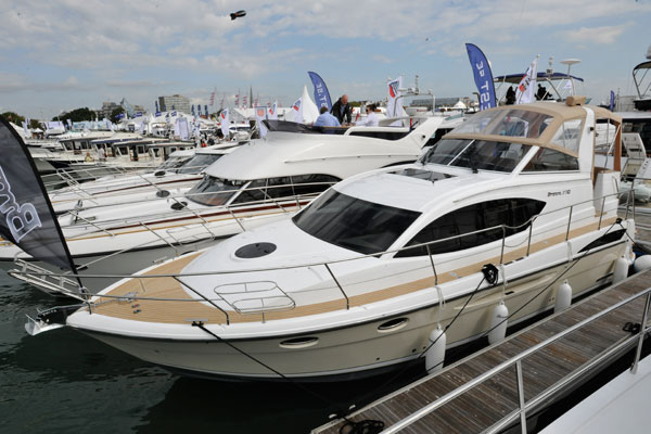 Motor Boat & Yachting | Broom 370