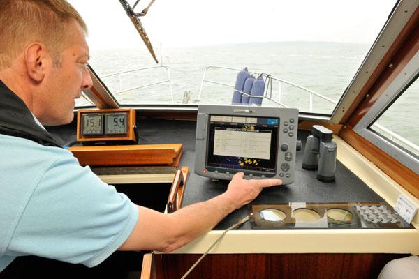 Motor Boat & Yachting | Radar vs AIS