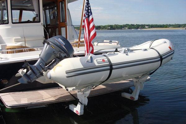 Motor Boat & Yachting | FreedomLift Tender Launch