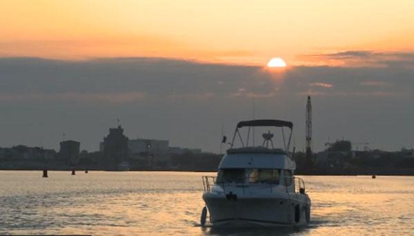 Leaving-La-Rochelle-at-sunrise.jpg
