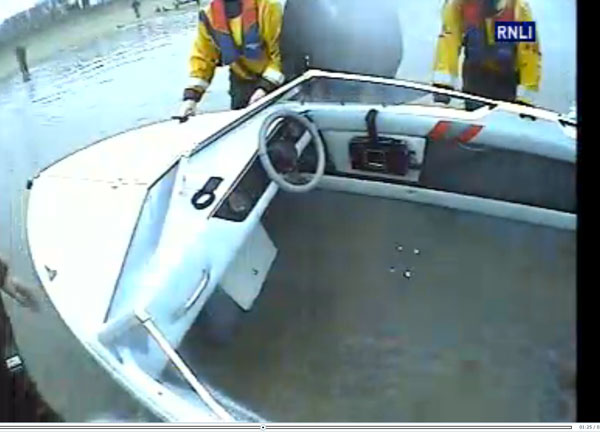 RNLI-rescue-swamped-boat.jpg