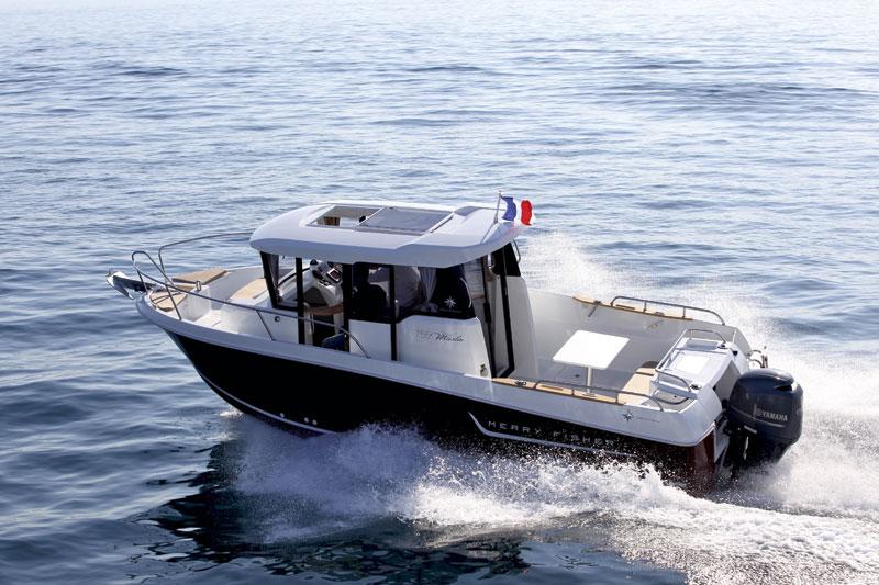Jeanneau-Merry-Fisher-Marlin-755-running-shot.jpg