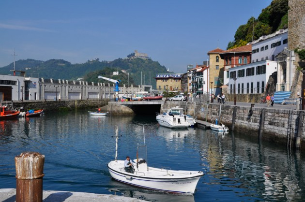 Visitors-pontoon-San-Sebastian-spain.jpg