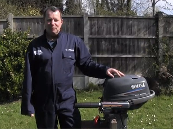 Garmin-practical-boating-changing-your-outboard-engine-oil.jpg