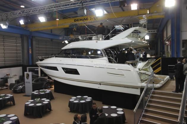 Prestige 450 Fly © Motor Boats Monthly