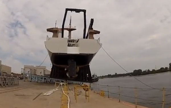 Ship-launch-boat-fail.jpg