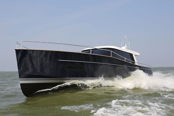 Motor Boat & Yachting | Contest 52MC