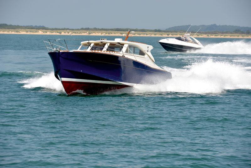 Used-boat-test-Sunseeker-versus-Oyster.jpg