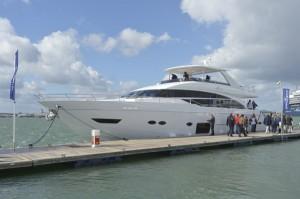 Motor Boat & Yachting | Princess 88 Motor Yacht