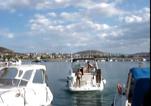 Boat-fail---how-not-to-dock-a-boat.jpg
