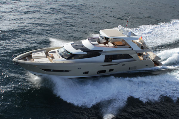 Motor Boat & Yachting   Couach 2600 Fly