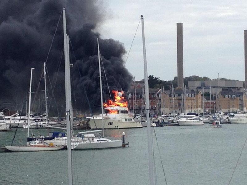 East-Cowes-boat-fire-Kahu.jpg